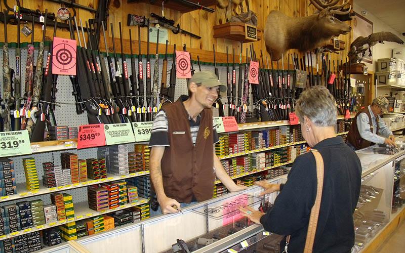 selling-handgun-women-4