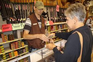 selling-handgun-women-thumb