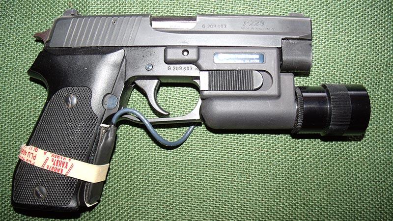 guns-federal-agent-5