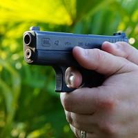 glock-42-carry-thumb