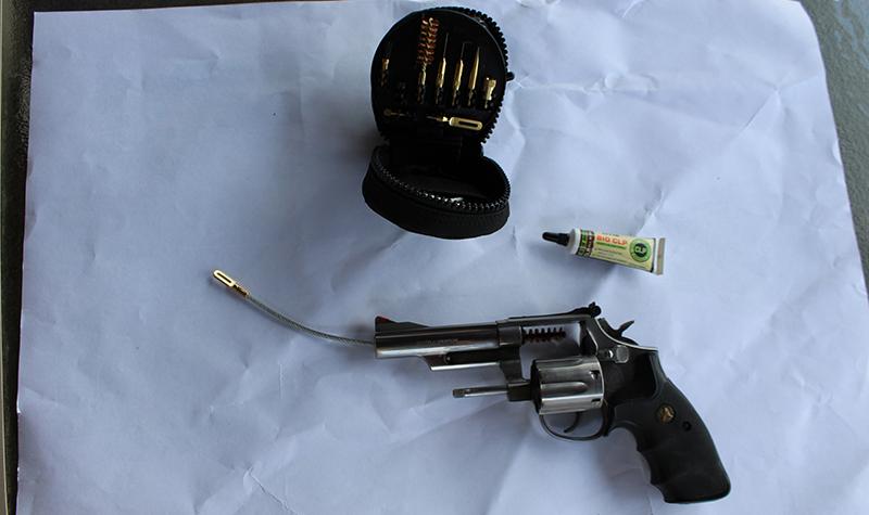 otis-professional-pistol-4