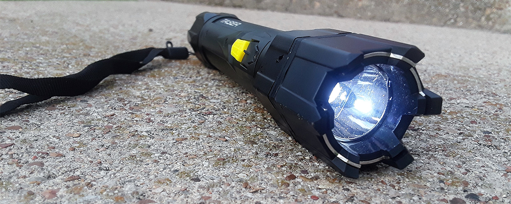 taser-strikelight-1