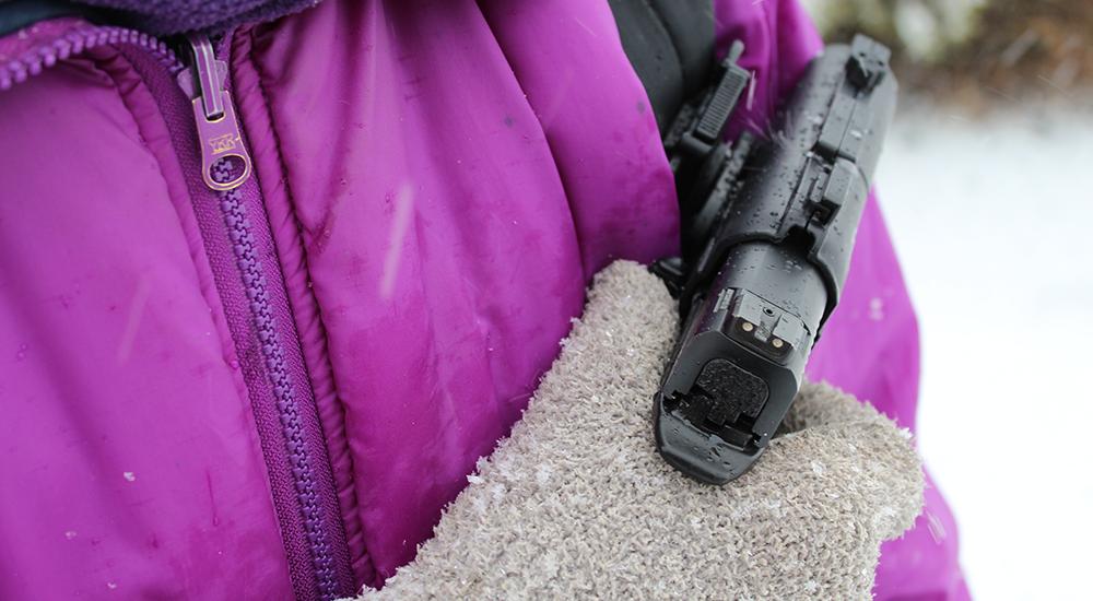 alien-backpack-holster-2